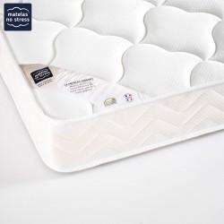 Matelas mousse en 140x180 confort équilibré, mousse de haute résilience 18 cm.
